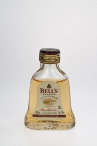 "4. Bell's Extra Special Finest ""8"" Old Scotch Whisky"