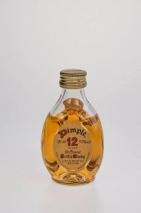 34. Dimple '12' Old Blended Scotch Whisky